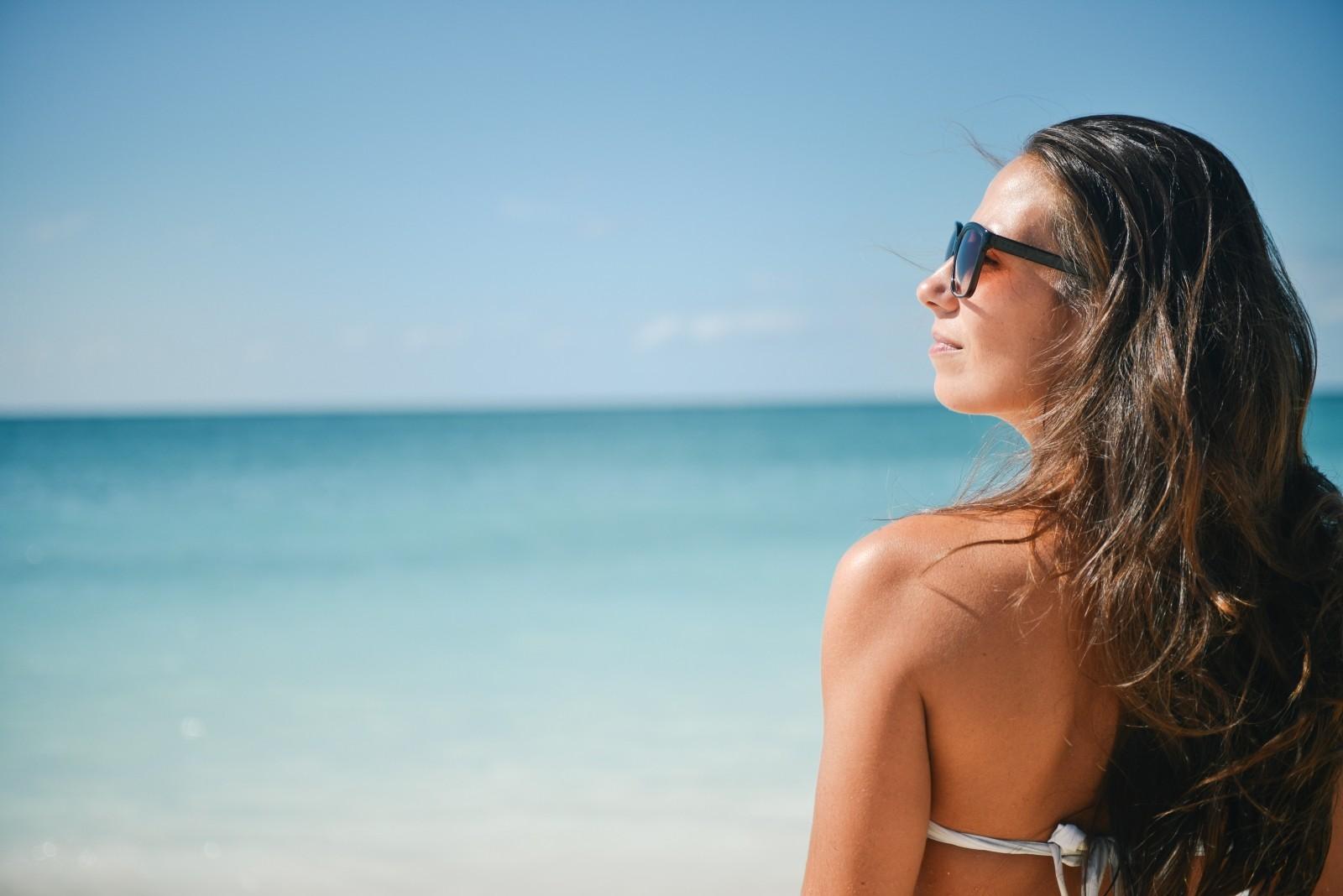 verano-tatuajes-laser-eliminar-calor-playa-sol